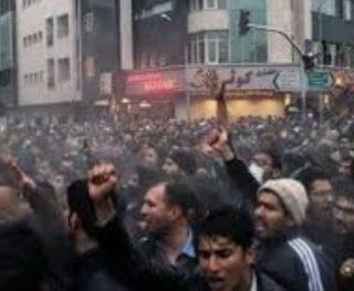 عشرات القتلى والجرحى حصيلة احتجاجات إيران خلال يومين