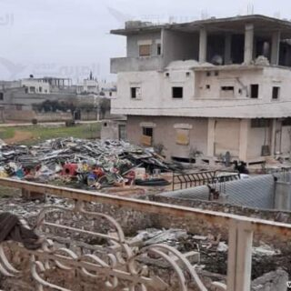 التعفيش في سورية… جريمة حرب متواصلة لا تترك حجراً أو شجراً