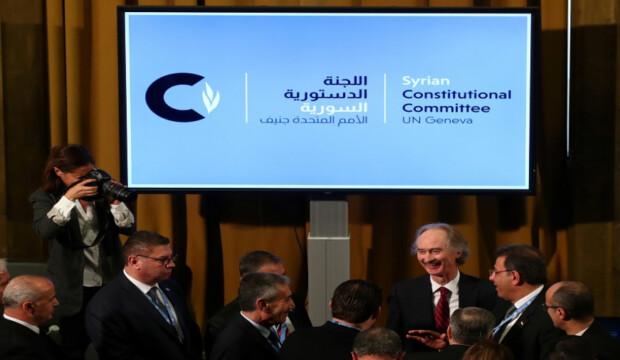 """مصدر خاص لـ """"الوكالة"""": وفد النظام في اللجنة الدستورية يضع شروطا للتهرب من مناقشة مواد الدستور"""